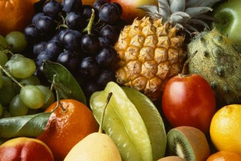 When dealing wiht acid reflux it is better to eat fruits alone
